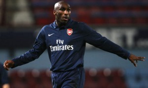Sol-Campbell-back-at-Arse-001