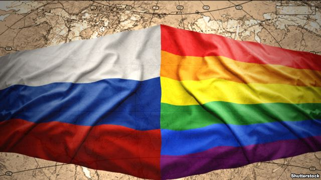У РФ ЛГБТ-активіст кинув виклик депутату-гомофобу