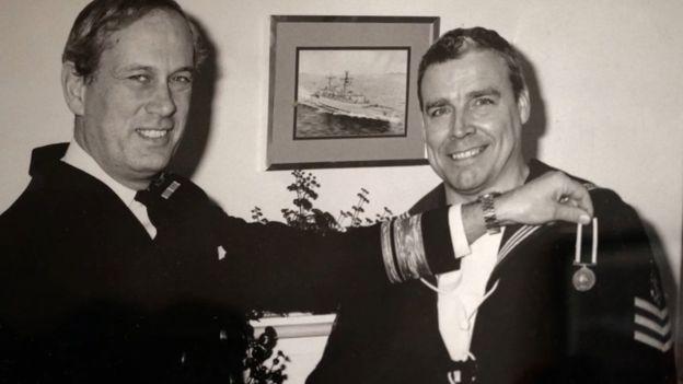 Влада Британії поверне відібрані 26 років тому нагороди моряку-гею