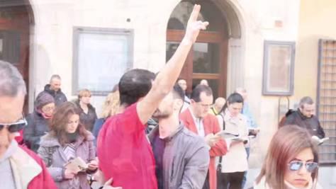 В Италии шестерым ЛГБТ-активистам полиция предъявила обвинение из-за поцелуя