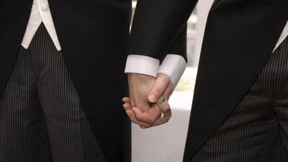 Кипр легализовал гей-браки