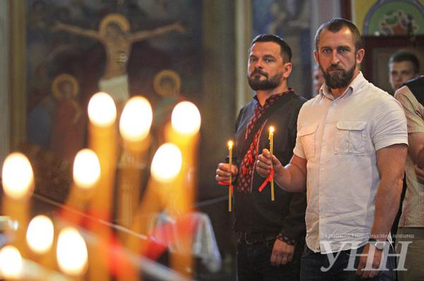 В Киеве прошел памятный молебен о умерших от ВИЧ