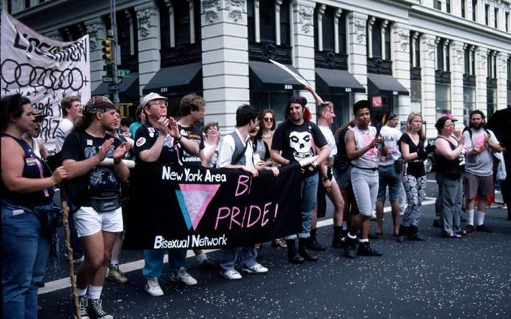 Неделя видимости бисексуальных людей: вспоминаем Би-манифест (1990)