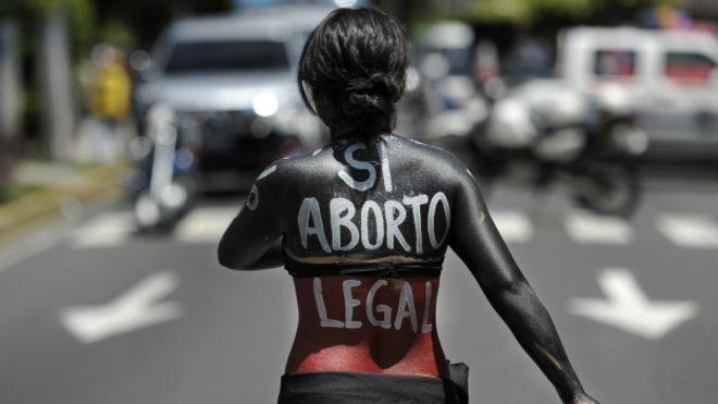 В Сальвадоре хотят отменить полный запрет на аборты