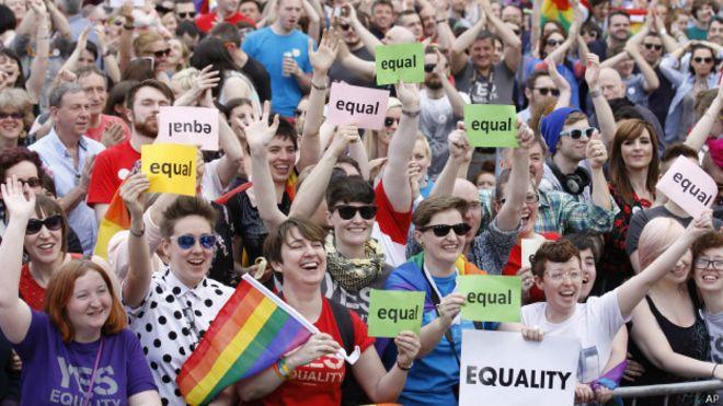 Ирландия проголосовала за легализацию однополых браков