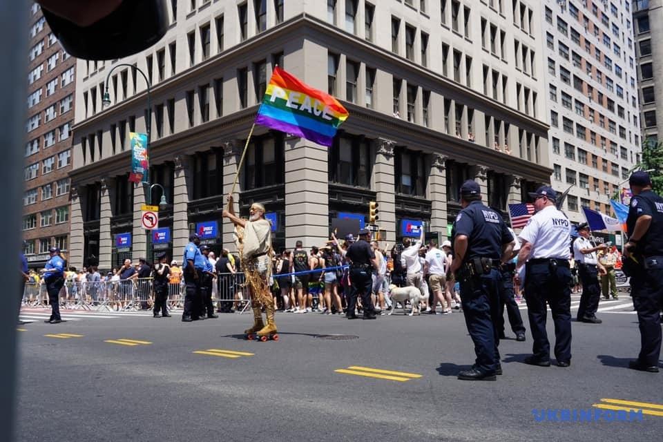 У Нью-Йорку проходить всесвітній гей-прайд