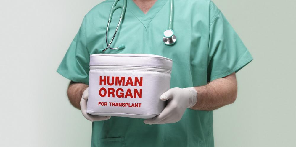 Врачи трансплантировали органы от ВИЧ-положительного донора