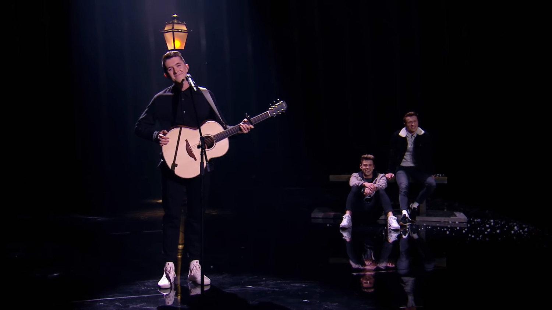 """Російська коментаторка Євробачення назвала виступ представника Ірландії про кохання двох юнаків """"піснею про справжню чоловічу дружбу"""""""