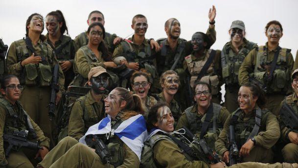 Израильская армия помогает военнослужащим менять пол