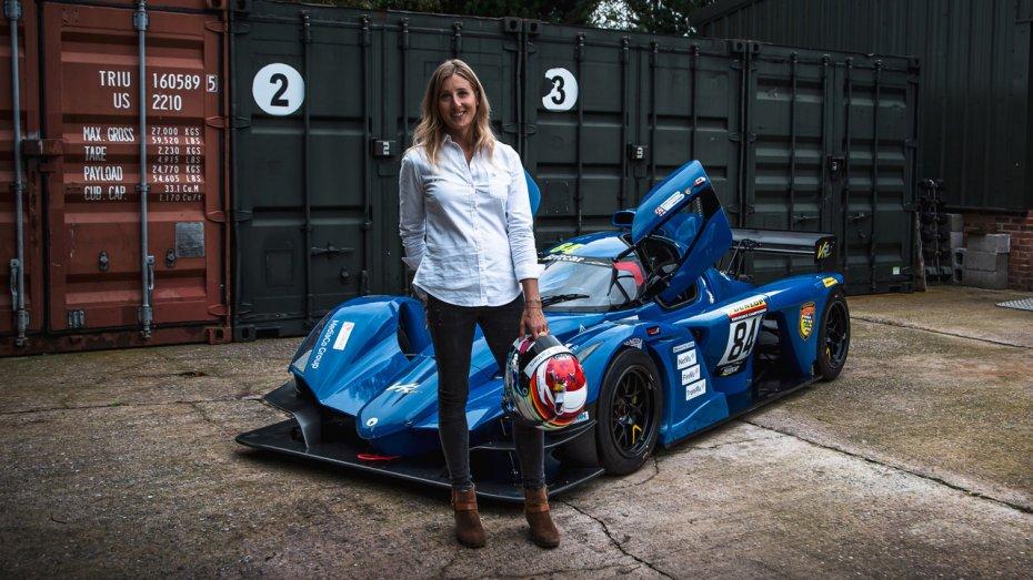 Пілотеса-трансгендерка вперше у професійному автоспорті візьме участь у перегонах