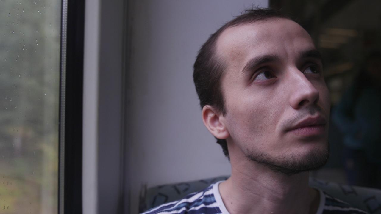 Беженец из Чечни Мовсар Эскерханов, рассказавший о своей гомосексуальности, попросил прощения у Кадырова?