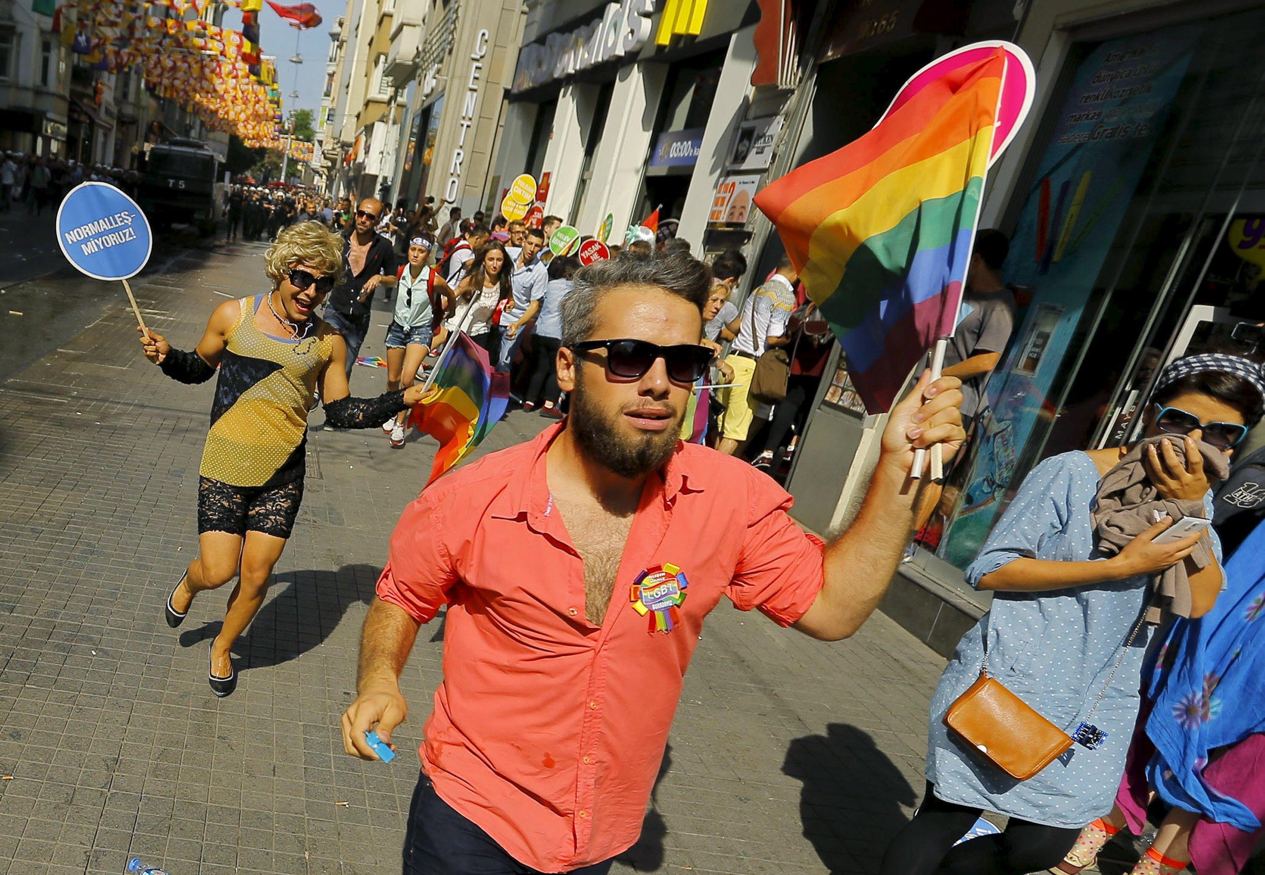У Непалі відгримів барвистий гей-парад
