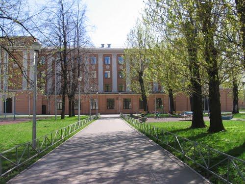 В России оспаривают увольнение учительницы из-за сексуальной ориентации