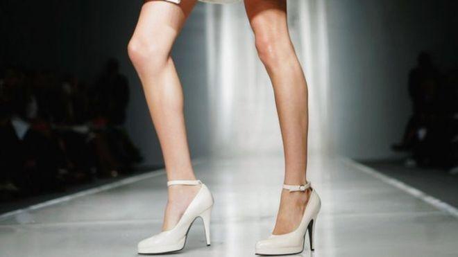 Франция запретила показывать чрезмерно худых моделей