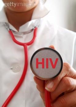 10 анализов, важных для людей с ВИЧ
