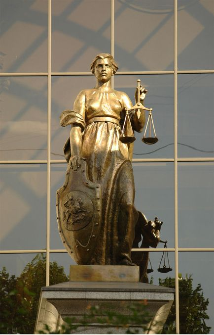 Уряд пропонує розширити перелік ознак, дискримінація за якими буде заборонена в Україні