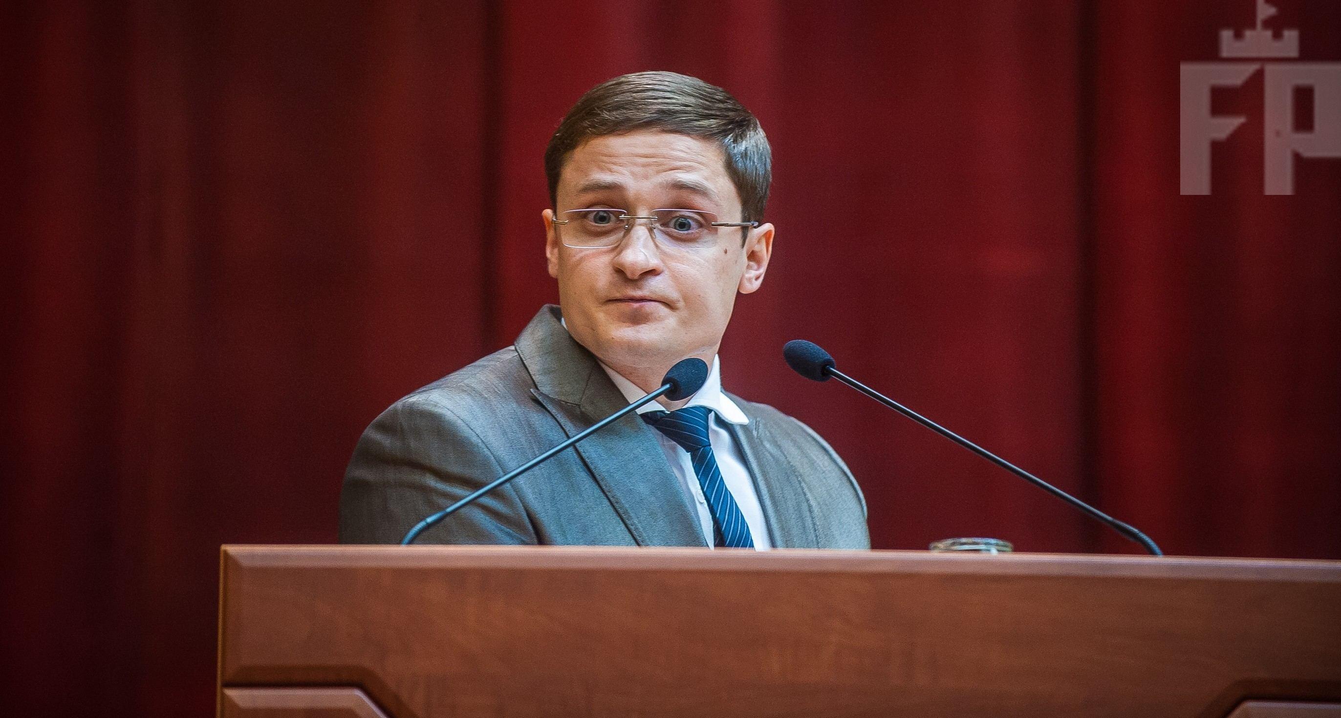 Запорізький депутат пропонує Україні рівнятися на досвід Уганди щодо захисту прав людини. У коментарях йому пропонують стати послом у цій країні