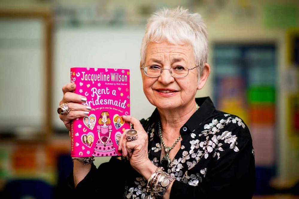 74-річна дитяча письменниця зробила камін-аут