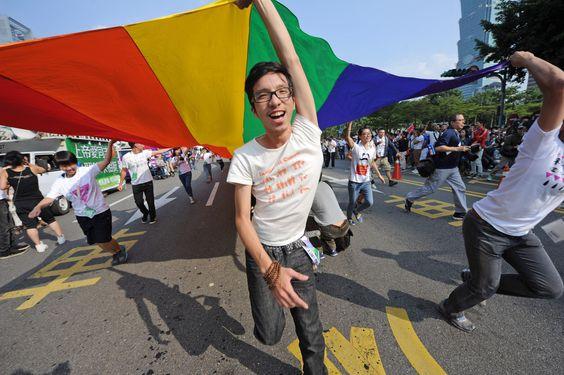 В столице Тайвани прошел ежегодный гей-парад
