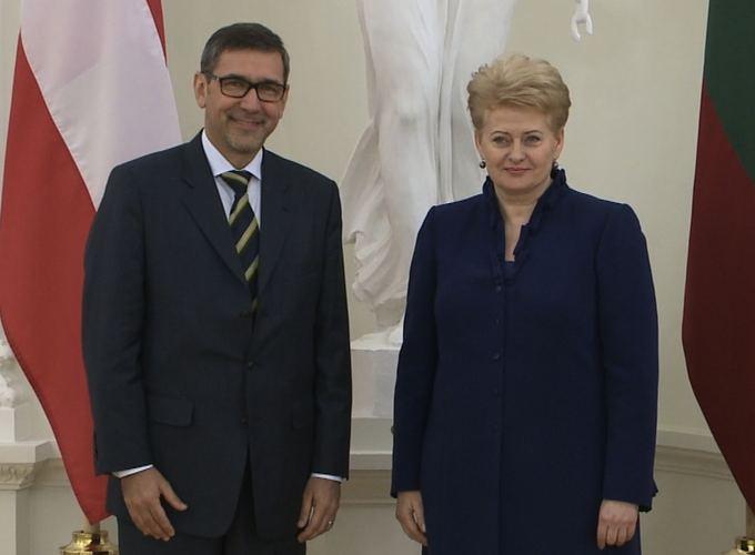 """Посол Австрии в Литве назвал свою семью """"примером семьи иной формы"""""""