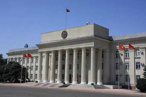 HRW призывает правительство Кыргызстана отклонить дискриминационный законопроект