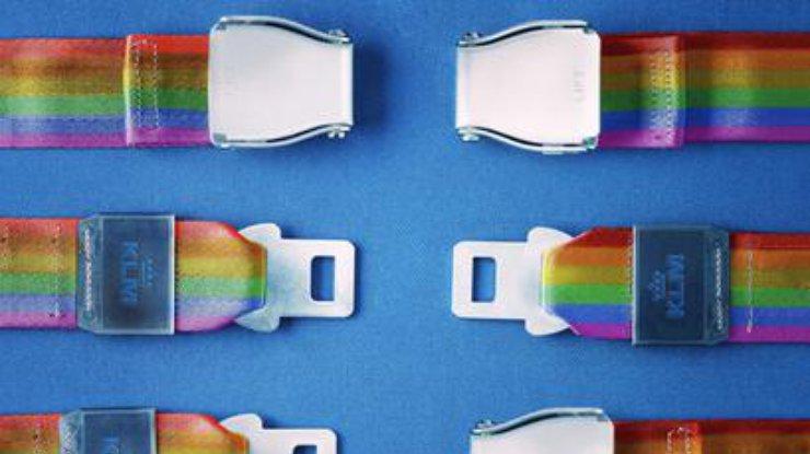 Пользователи соцсетей высмеяли авиакомпанию за неудачную рекламу гей-прайда