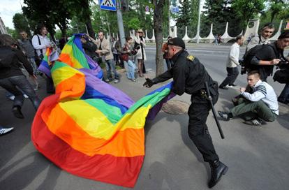 В Беларуси планируют вернуть уголовную отвественность за «мужеложство»